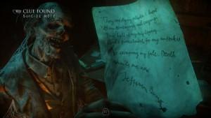 Записка в его руке.