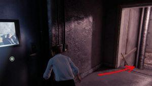 Добравшись до комнаты охраны спуститесь вниз.